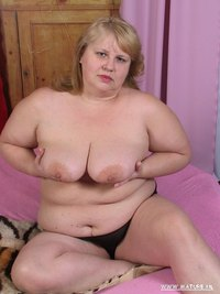 chubby mature porn pics maturenl chubby mature slut playing