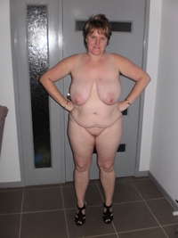 chubby mature porn pics another flabby mature bbw posing naked