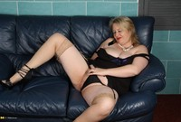 ebony mature granny porn milf spy mature women interested young boys