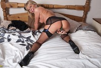 ebony mature granny porn milf screams son mom caught