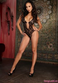 erotic mature galleries mature sexy latina girl maggie see