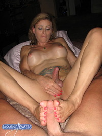 erotic mature porn pictures galleries jasminejewels amateur footjob pic