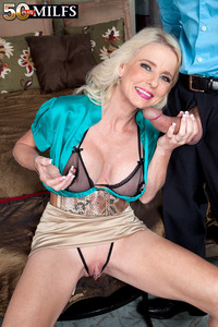 exclusive milf gallery pictures general plusmilfs milf gaping puss