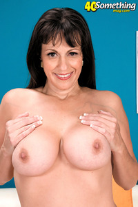exclusive milf gallery pictures general somethingmag from legendary milf somet