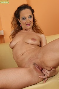 exclusive milf gallery pictures general karupsow curly haired milf ameli monk
