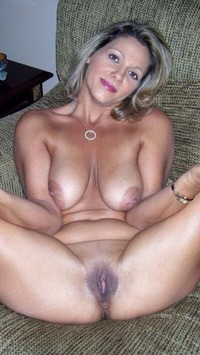 exclusive milf pictures over million horny milfs this exclusive milf