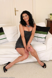 exclusive milf pictures allover upcoming shoots kittys kit kitty mature photo shoot