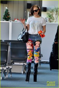 gaga milfs gaga princess lady shows off natural hair disney jeans goes