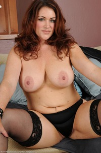 gorgeous milf pictures galleries busty redhead milf ryan stockings