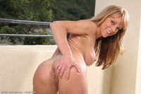 gorgeous milf pictures galleries all over gorgeous milf shayla nude outdoors