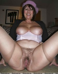 granny pics mature swagster older granny mature spreaders legs wide open showing pink