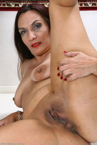 hairy moms galleries mariska pict pictmar