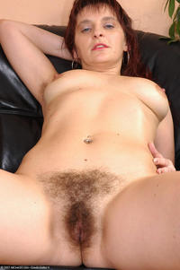 hairy moms galleries joanna pict pictjoa mom hairy pussy relaxing pool