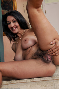 hairy moms porn photos media original plump brunette milf hairsute pussy hot mom porn pictures clips hairy cunts