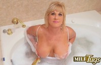 hd milf pictures nicky white milf tugs