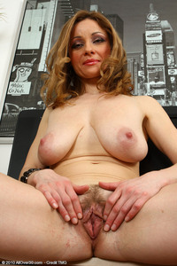 horny mature women photos