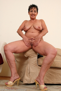 horny milf gallery yve pushing sixty still horny