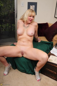 horny mom pictures horny blonde mom getting naked years old
