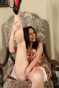hot mature in panties showcases nancy vee feet panties mature older women fetish