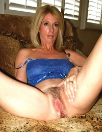 hot mature moms amateur porn bottomless moms mature muff flashers women upskirt pictures goalporn