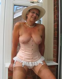 hot mature nude women old ladies having