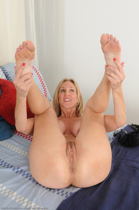 hot mature pussy gallery mature porn hot jenna feet juicy pink pussy butthole photo
