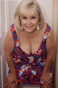 hot matures pics southern charms lola
