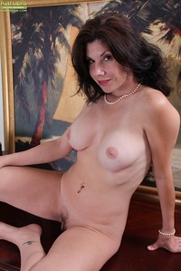 hot milf porn galleries milf porn karups older women hot peels off business suit