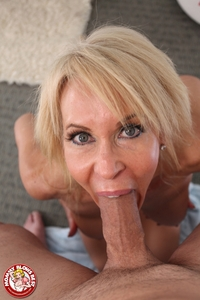 hot milfs porn galleries blazing bucks mommy blows best erica lauren