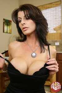 hot milfs porn galleries blazing bucks mommy blows best raquel amato