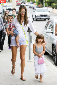 hot mom pics gsi alessandra ambrosio boutique gallery