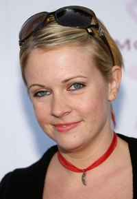 hot moms image attachments celebrity pictures melissa joan hart hollywood hot moms soiree black shorts shirt red