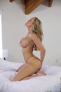 hot mother pussy pics anilos brandi love beautiful blonde mom giant tits spreads open sweet trimmed pussy maturepicture hot pic mother
