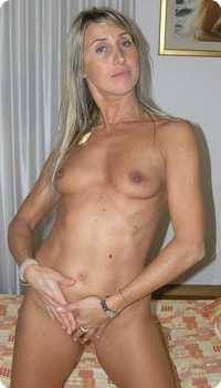 hot naked moms nakedmom