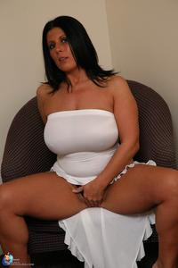 hot sexy mature pictures mature porn hot sexy white dress photo