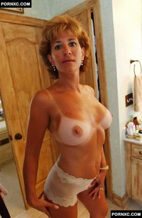 hottest mature in porn amateur porn super sexy tanned mature posing nude photo
