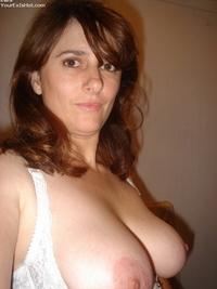 hottest milf photos hot milf free topless selfshot housewife huge tits flash