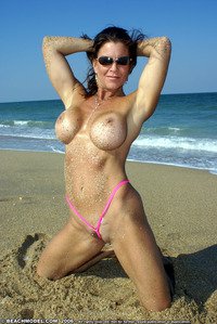 hottest milf photos free galleries milf thong beachmodel