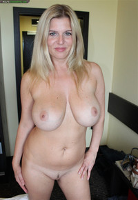 house wife porno pictures ebzynes hot cougar