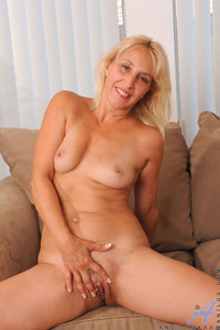housewife porn galleries galleries anilos horny blonde housewife plays dildo