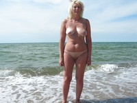 mature beach porn pictures outdoors maturesea beach porn
