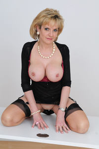 mature boobs porn pics photo large sexy mature granny lady sonia shows huge boobs free gilf pics