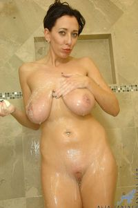 mature boobs porn pics picpost thmbs large natural saggy mature boobs naked wet pics
