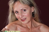 mature face pics blob blonde mature face hairy pussy