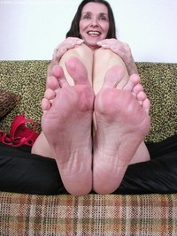 mature feet porn galleries jasmines mature feet wet pussy juicy butthole