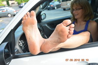 mature feet porn pics fetish porn mature feet soles pedal pumping walking photo