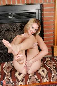 mature feet porn main albums steaming mature feet soles