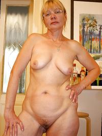 mature females porn paid fuck pictures