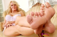 mature foot fetish porn queen mature foot fetish models mona lisa
