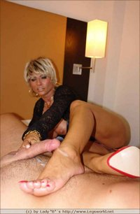 mature foot porn pictures albums feet lady legs photos milf babe mature